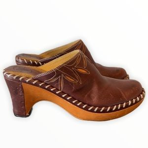 Frye Charlotte Brown Leather Clog Mules